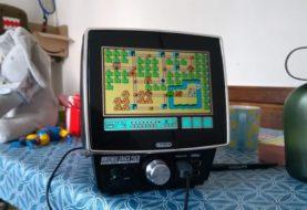 Sacándole todo el jugo a lo retro: conocé Nintendo Snack Pack, la consola-TV portátil que desarrolló un fan y hasta reproduce juegos de Sega