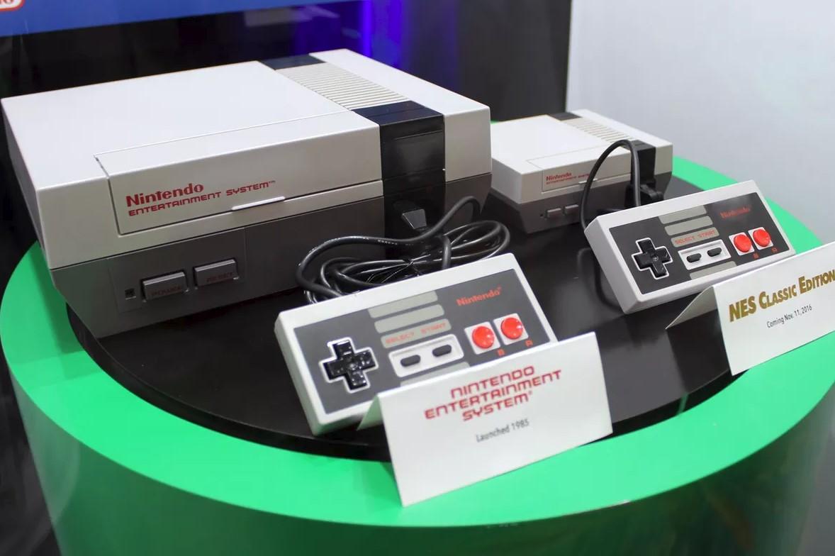 NES Classic, al lado de la NES original