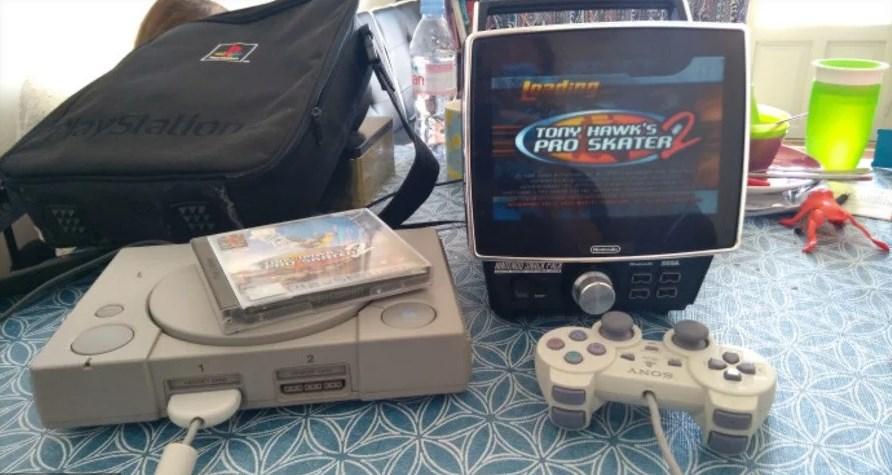 Nintendo Snack Pack, usado con una Playstation. (Marcel J. de Haan)