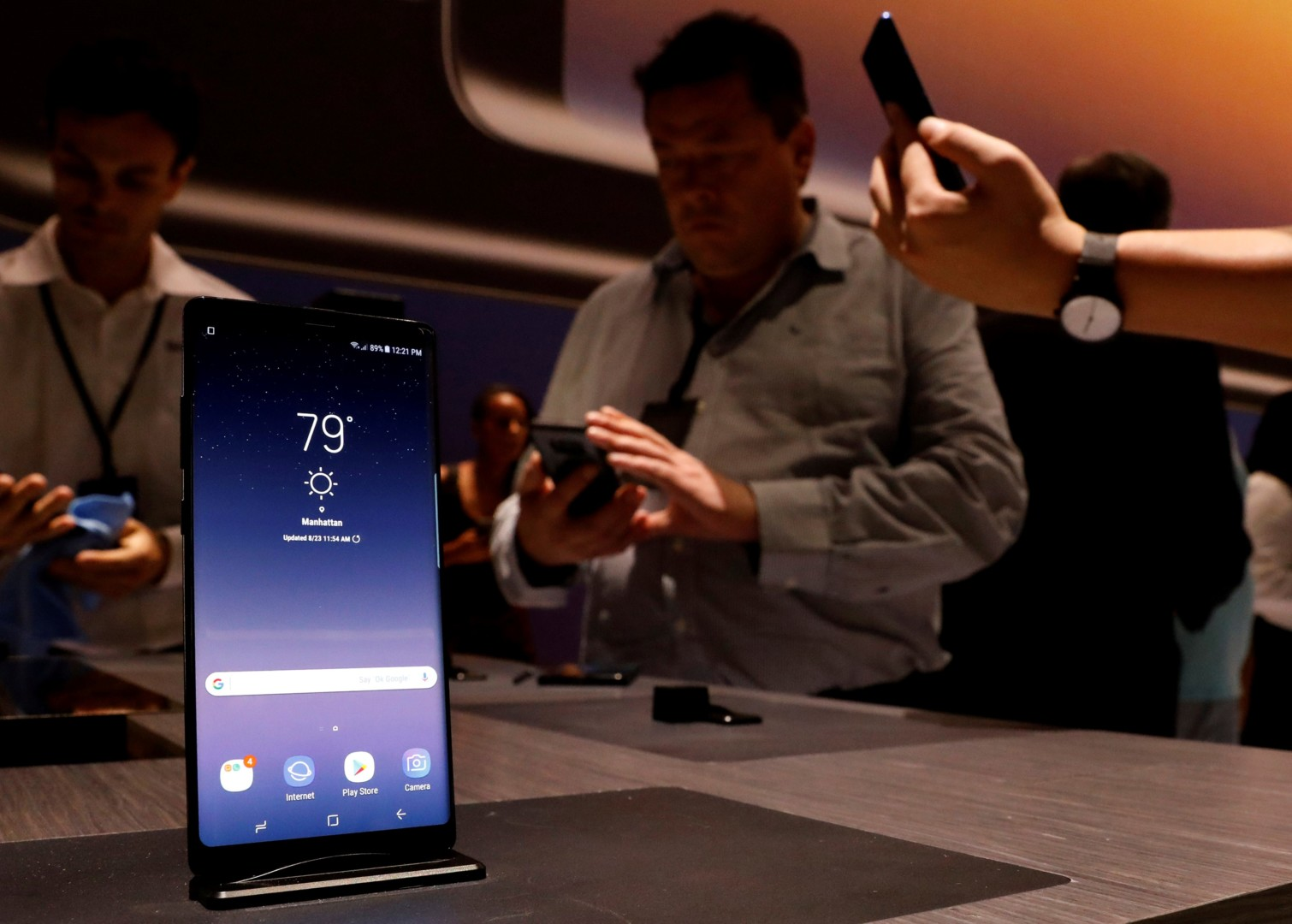 Con lápiz óptico y una batería renovada, Samsung lanzó el Galaxy Note 8