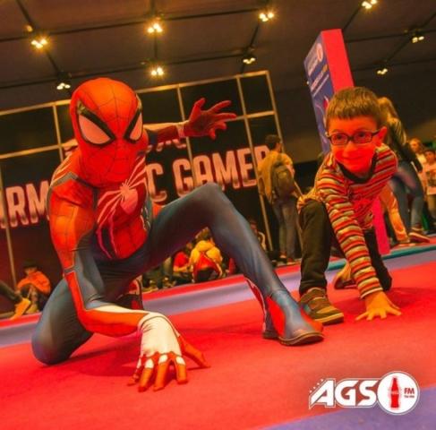 Spiderman, con un nuevo amigo