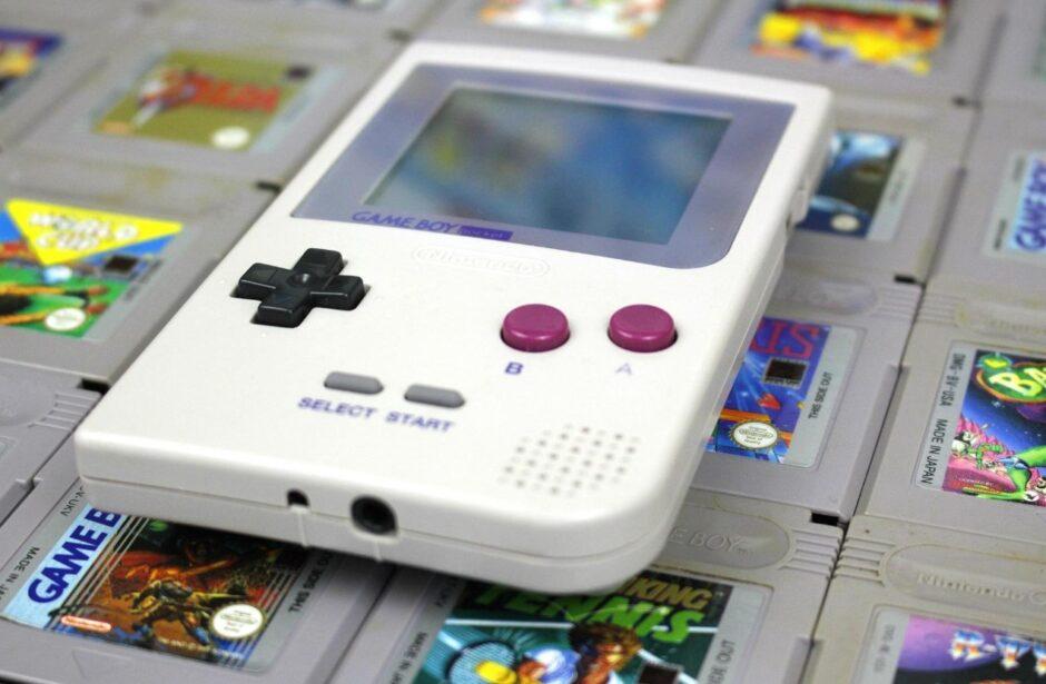 ¿Game Boy Mini? Nintendo registró una serie de patentes que indican que se viene, pero se usaría con el teléfono móvil