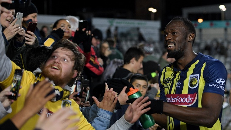 Usaint Bolt: ¿de estrella del PES 2018 a jugador libre en FIFA 19?