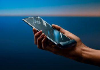 Presentaron al Motorola Razr: la reinvención de un clásico celular ahora con pantalla flexible