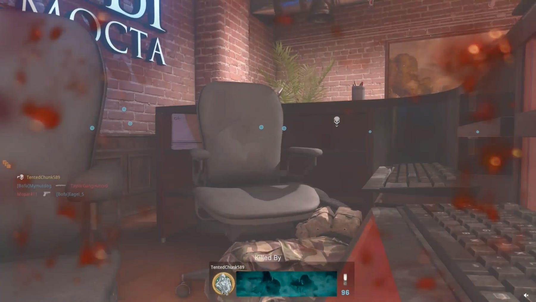 Hay un nuevo enemigo mortal en COD Modern Warfare: Una silla