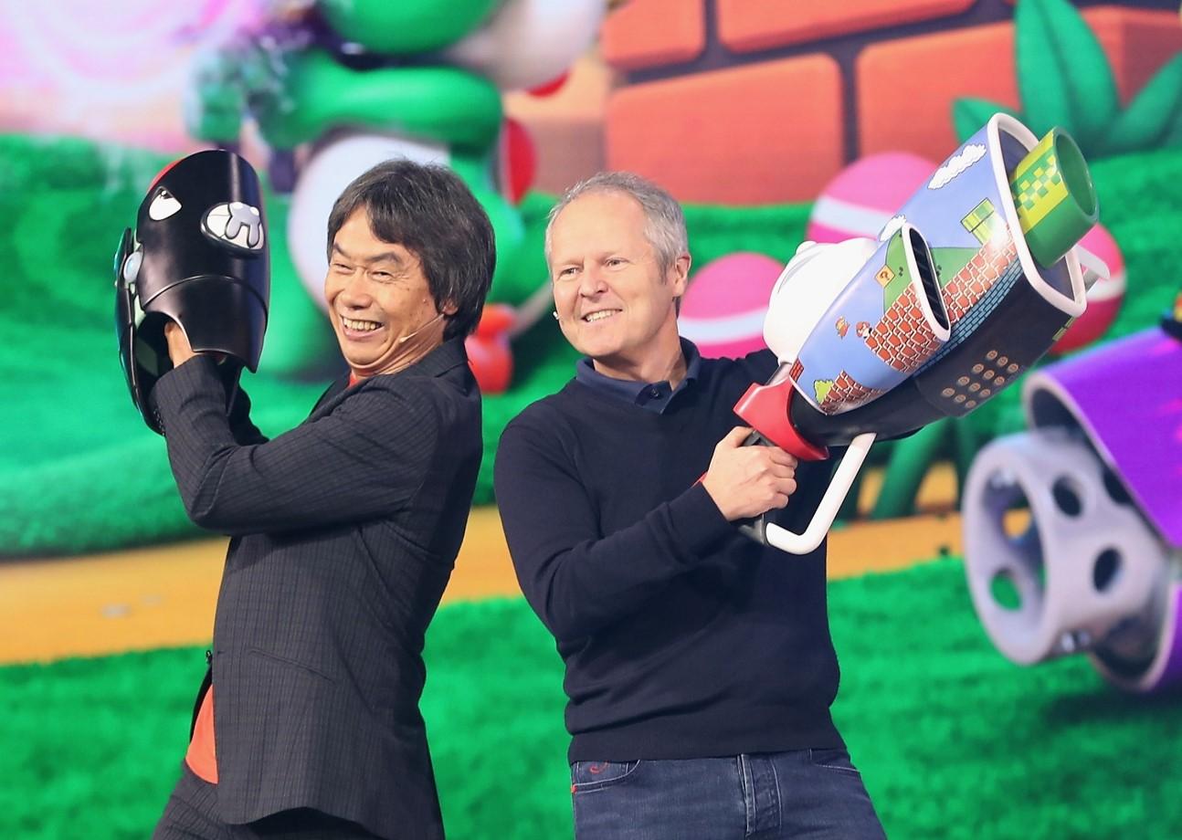 Miyamoto, junto a Yves Guillemot, CEO de Ubisoft