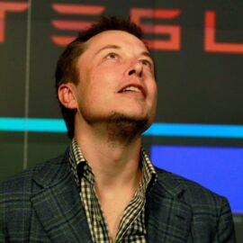 Elon Musk dio a conocer el único juego de consolas que jugó en su vida: es un PC gamer de alma